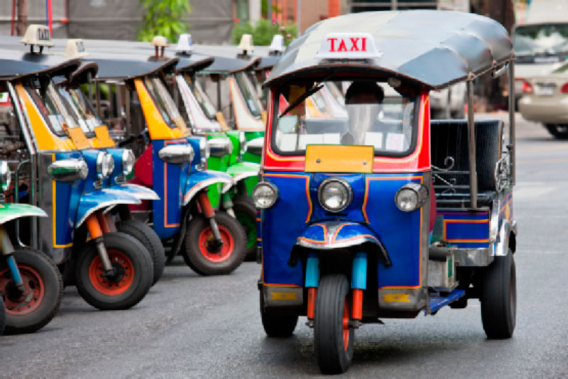 общественный транспорт в Таиланде - тук-тук